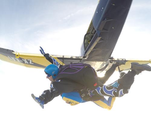 Gaz skydive jump