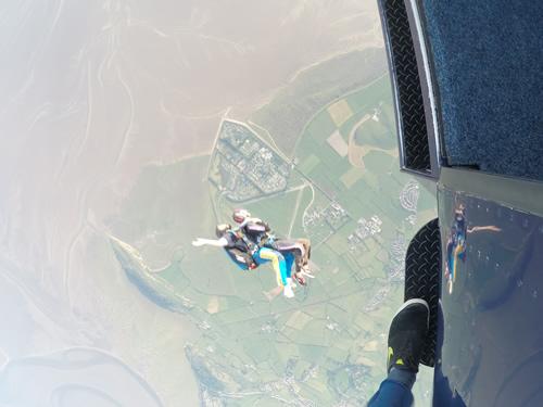 Laura skydive falling