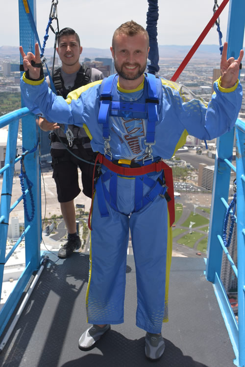 Skyjump Stratosphere rock hands